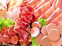 Неврологи доказали связь слабоумия и обработанного мяса