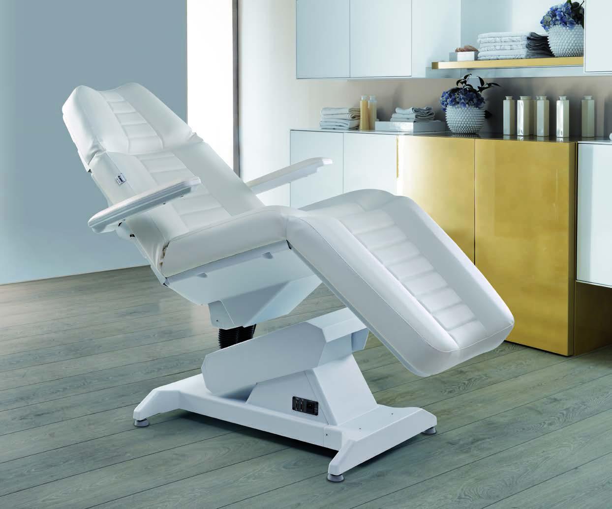 Косметологическое кресло: удобство и комфорт во время процедур