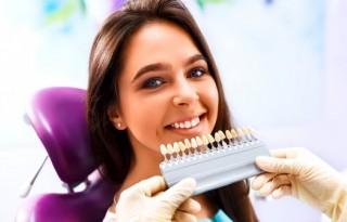 Косметическое отбеливание зубов: современные технологии для безопасных и быстрых результатов