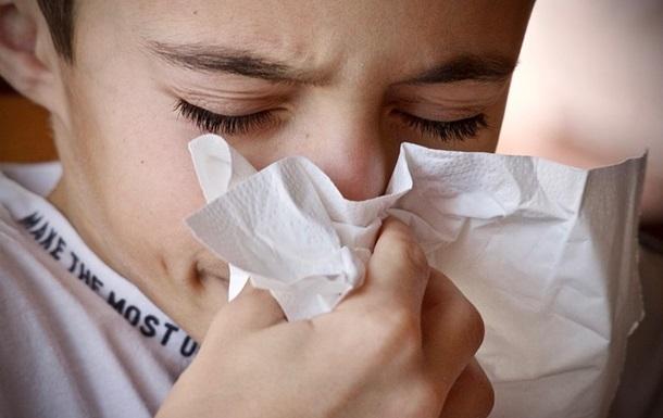 Ученые определили, что заставляет людей чихать