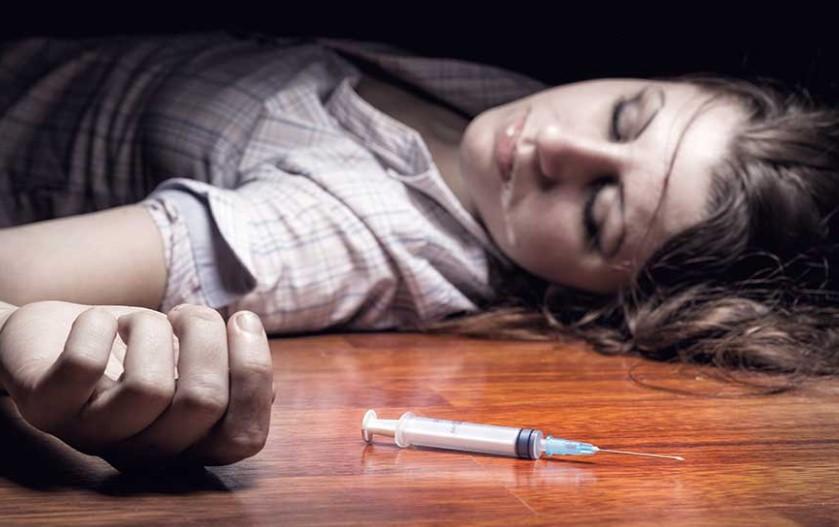Как правильно снять ломку у наркомана?